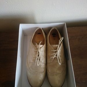 White Mountain Shoes Praise(style) Size/8.5 Color/